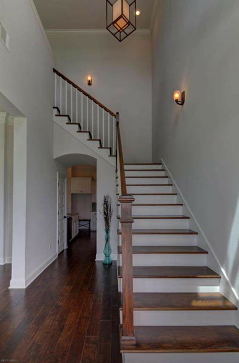 Grand entry to your upstairs bedrooms and Loft overlooking the park from your wr…